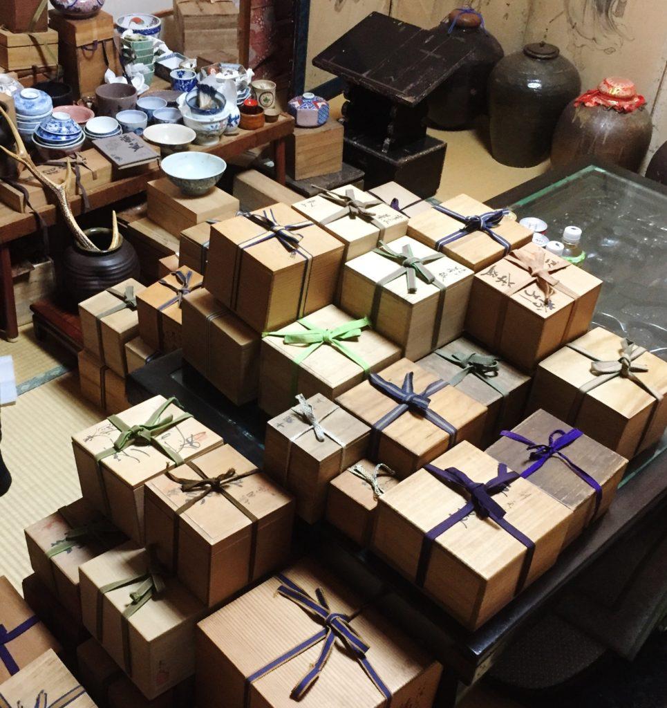 京都市内で茶器などの一括買取りをいたしました。