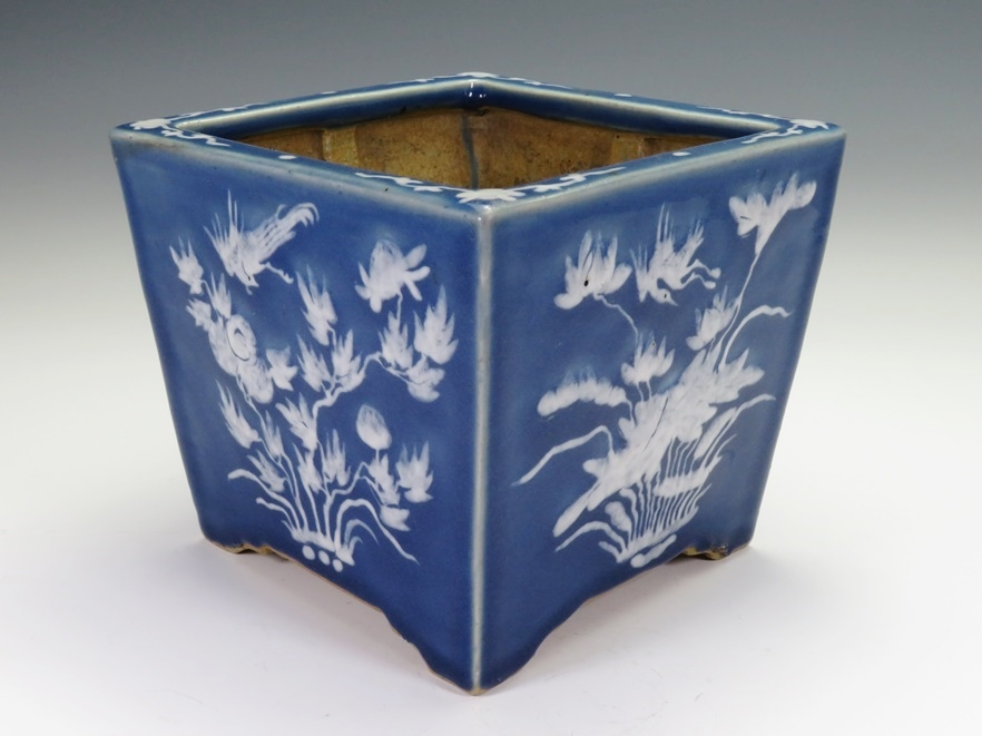 №365「中国 南京白抜き四方植木鉢」