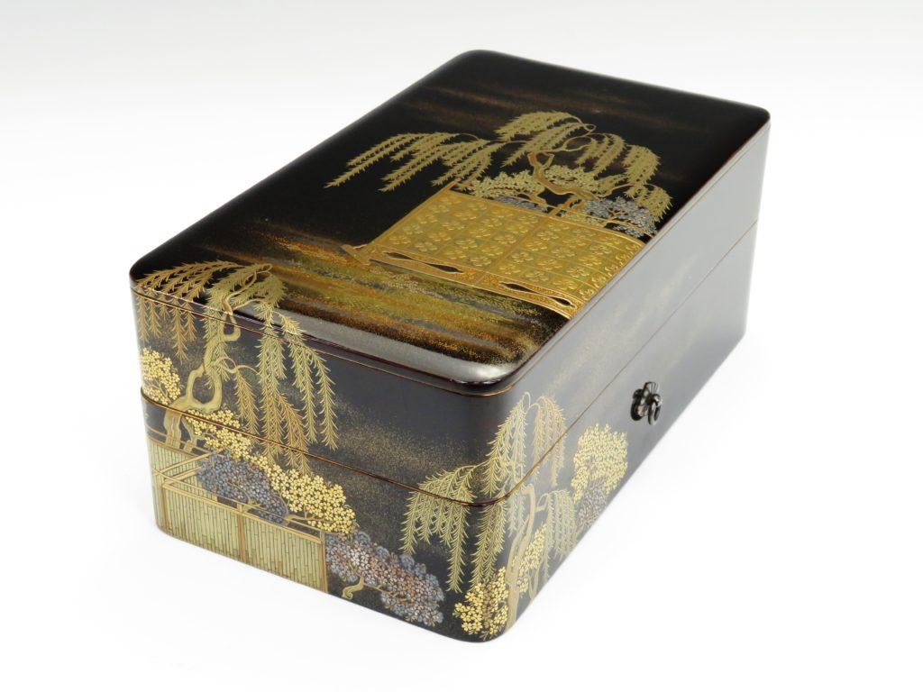 №411「大名道具 柳図蒔絵 金銀象嵌桜並木図重硯箱」