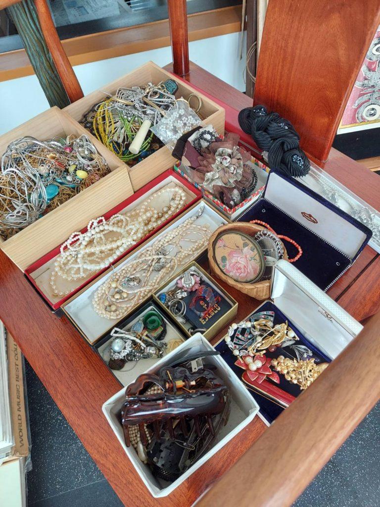 2月12日 愛媛県松山市にて買取を実施いたしました。